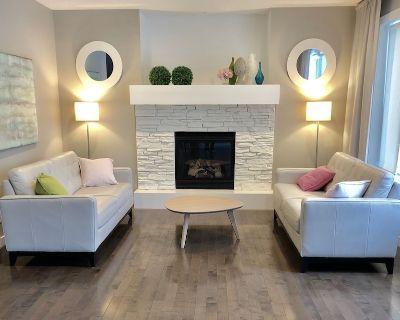 Beautiful Modern Renovated Spacious Home - Auburn Bay