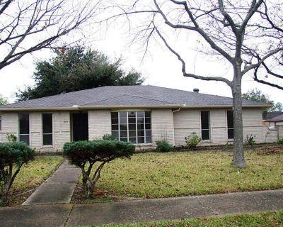 11315 Ensbrook Drive, Houston, TX 77099