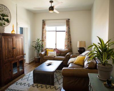 Newly renovated 1889 loft/ apartment located in Historic Downtown Auburn - Auburn