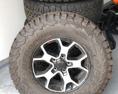 Illinois - ***UPDATE***Wheels, Tires, Springs, Shocks from 2021 JLR