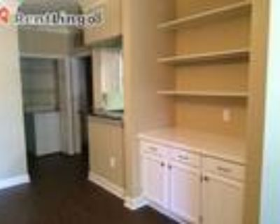 2 bedroom 451 Clearwater Paseo Dr
