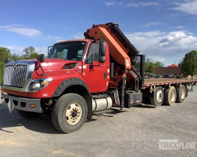 Palfinger PK 40002-EH 29600 lb Knuckle Boom on 2012 International 7600 8x4 Tri/A Truck