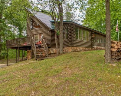 Secluded Log Home with Private Lake, Dock, and Fire Pit! - Kuttawa