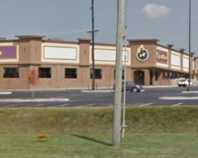 Shelbyville Retail Space - Next to Planet Fitness - Feeders Supply