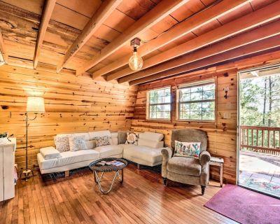 Quirky, Secluded Ruidoso Cabin: 18mi to Ski Apache - Ruidoso