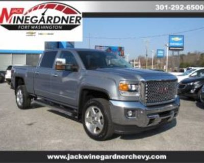 2015 GMC Sierra 2500HD SLT with Available WiFi Crew Cab Standard Box 4WD