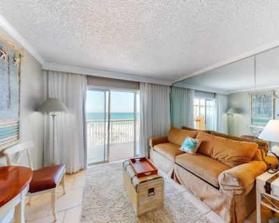 Attractive & Convenient Oceanfront Studio w/Shared Pool/Gym/Free WiFi/AC/Balcony - Okaloosa Island