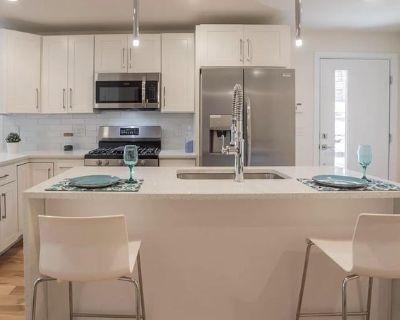 Brand new Bella Vista apartment with private patio