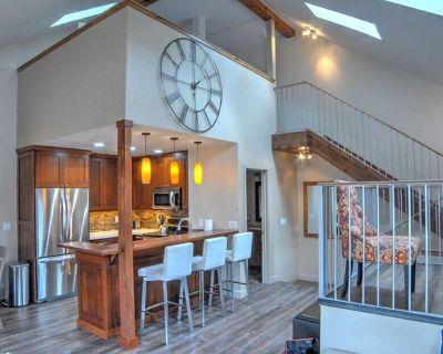 Sophia - Walk To Lifts!! Renovated Premier Ski Condo - Park City