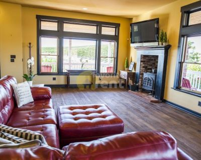 4 bedrooms tastefully furnished home, Templeton