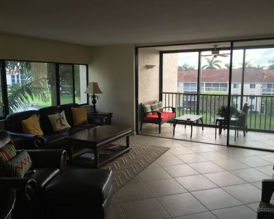 Beautiful 2/2 condo in gated secure community on the Caloosahatchee River - McGregor