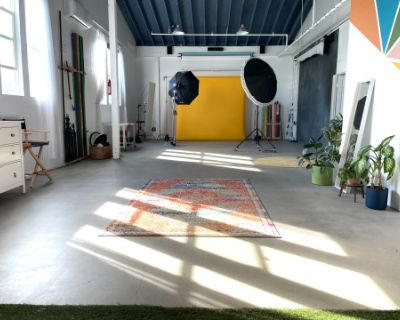 Bright Eastside Studio for Photo and Video Includes Lighting Equipment and Seamless Backdrops, Los Angeles, CA