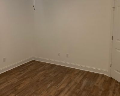 Private room with shared bathroom - Norfolk , VA 23523