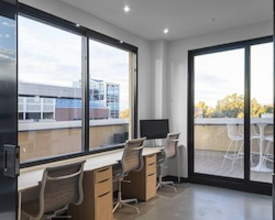 Team Office for 4 at neu.works @ Cherry Creek North
