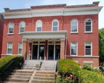 3431 Crittenden Street #1ST FLOOR, St. Louis, MO 63118 2 Bedroom Apartment