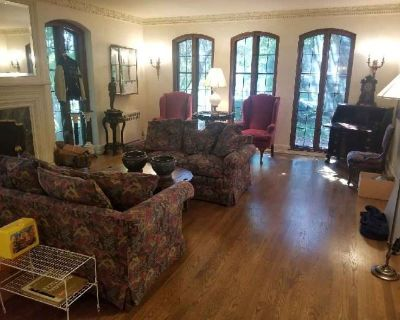Estate Sale in Whitefish Bay by MMES