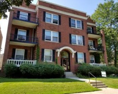 2427 East Webster Place #7, Milwaukee, WI 53211 2 Bedroom Apartment