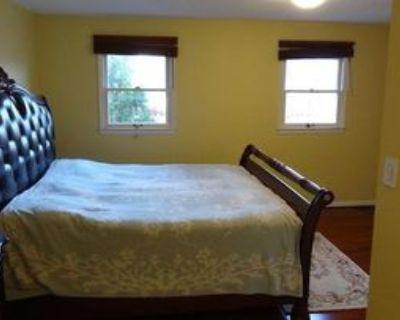 3040 Winter Pine Ct #1, Oakton, VA 22031 2 Bedroom Apartment