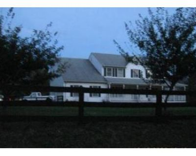 4 Bed 3 Bath Foreclosure Property in Purcellville, VA 20132 - Silcott Springs Rd