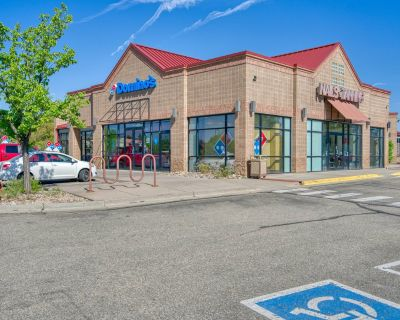 Perfect-Sized Suite in Busy Retail Center
