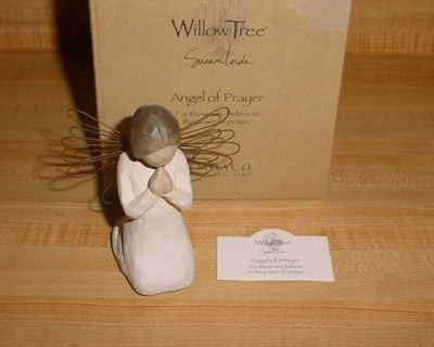 New Willow Tree Angel Of Prayer Sculptured Hand-Painted Resin Figure. For Those Who Believe In The Power Of Prayer. An Angel In Cream...