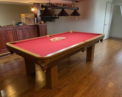 Slate Dufferin pool table and accessories