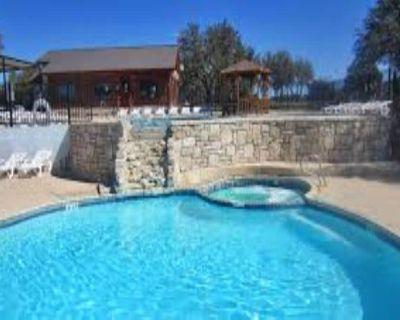2 Bedroom Villa at The Bandera Homestead! - Pipe Creek