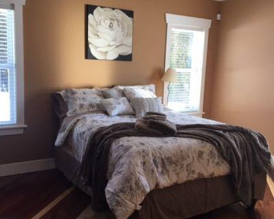 Spacious 2 Bedroom Suite 10 Minute Drive to beautiful Shuswap Lake - Sorrento