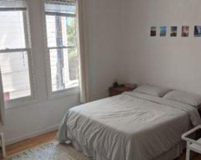 6 Doric Aly, San Francisco, CA 94133 3 Bedroom Condo