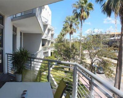 Miami Beach: 1/1.5 Pet-friendly apartment (Meridian Ave., 33139)