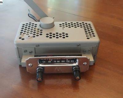 Motorola Big M Volumatic 6M 6 volt oval Radio