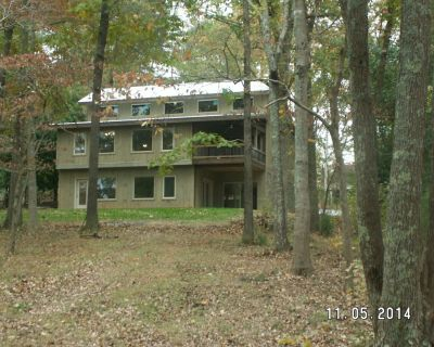 Executive Cabin- Gorgeous 5 bedroom home right on water- - Gainesville