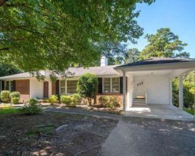 1711 Walker St, Gainesville, GA 30501 3 Bedroom Apartment