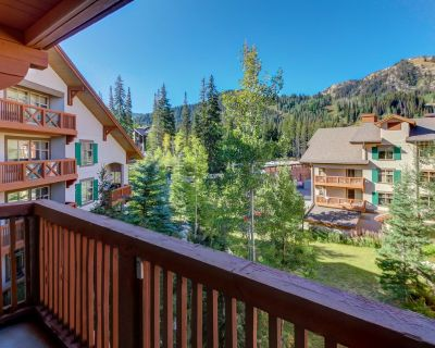 Sleek ski-in/out condo w/ Club Solitude access & shared hot tub, pool & more! - Salt Lake Mountain Resorts