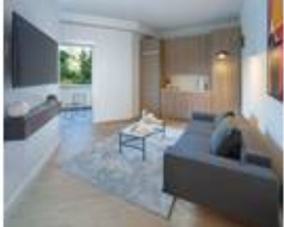 Wilshire Margot - Furnished Co-Living Junior Suite With Balcony