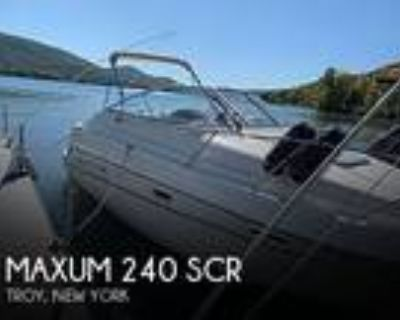 24 foot Maxum 24scr