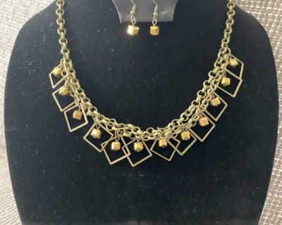 Gorgeous New Brass Short Necklace $5.33