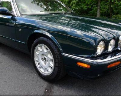 1998 Jaguar XJ Standard