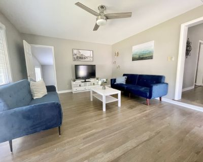 Beautifully Updated 4 bed 2 bath 12 min to Downtown! - Indianapolis