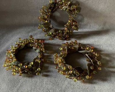 NEW - Set of 3 Pillar Candle Rings (195)