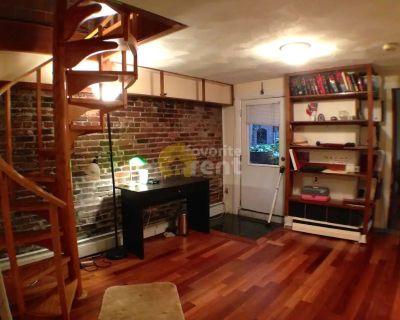 Amazing 2 bedroom condo in Beacon Hill, Boston