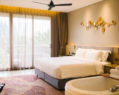 Find luxury apartments in Denver