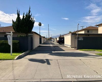 2BD/1BA AVAILABLE! IN-UNIT WASHER/DRYER HOOKUPS! PARKING, A/C, GATED COMMUNITY! CALL TODAY!