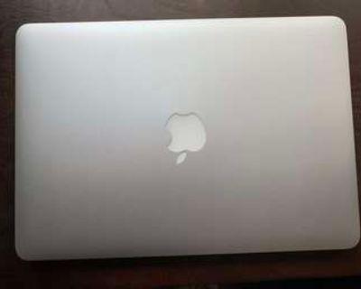 2013 MacBook Pro 13 inch, power adaptor included