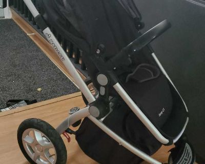 Maxi cosi stroller with pram bassinet and car seat attachaments