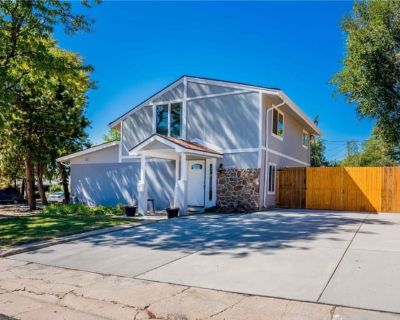 Private room with shared bathroom - Arvada , CO 80002