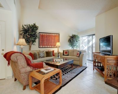 Spacious, modern condo surrounded by resort pools, hot tubs, and more! - Palm Springs