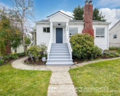 725 N 100th St, Seattle, WA 98133 3 Bedroom House