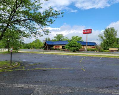 Great Interstate visibility Restaurant/Development opportunity