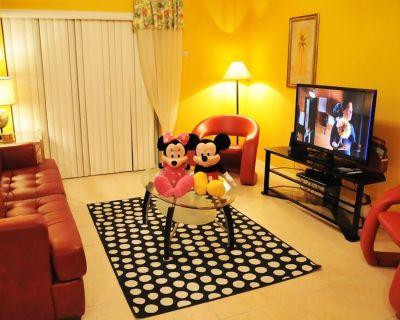 Family Retreat Near Disney World w/ Private Hot Tub - Kissimmee